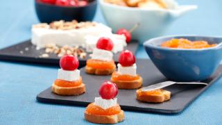 tostinhas de queijo com doce de cenoura